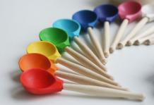 Купить деревянная игрушка уланик набор монтессори цветные ложки sl01c1203u